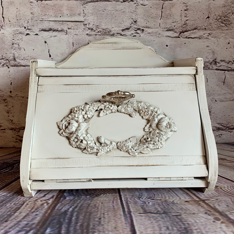 White Bread Box Wood Bread Bin Kitchen Storage Shabby Chic Etsy In 2020 Shabby Chic Kitchen Kitchen Storage Upcycled Vintage