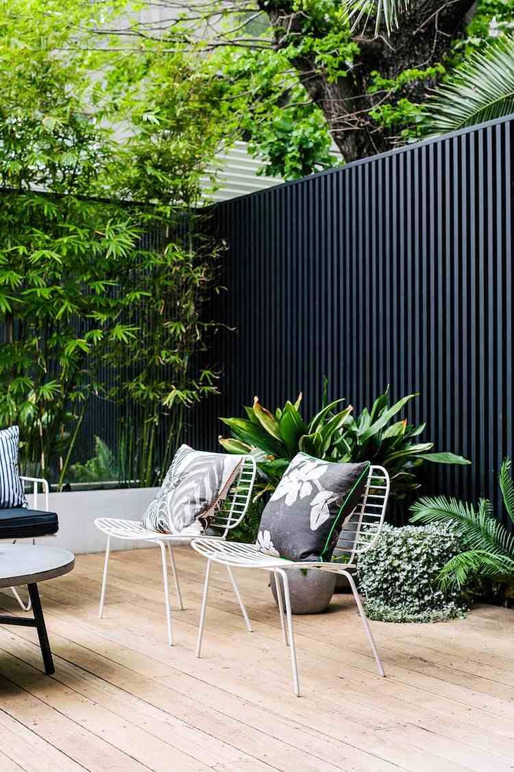 diy panneau bois ext rieur d tourner en brise vue pour gagner un peu d intimit panneau bois. Black Bedroom Furniture Sets. Home Design Ideas