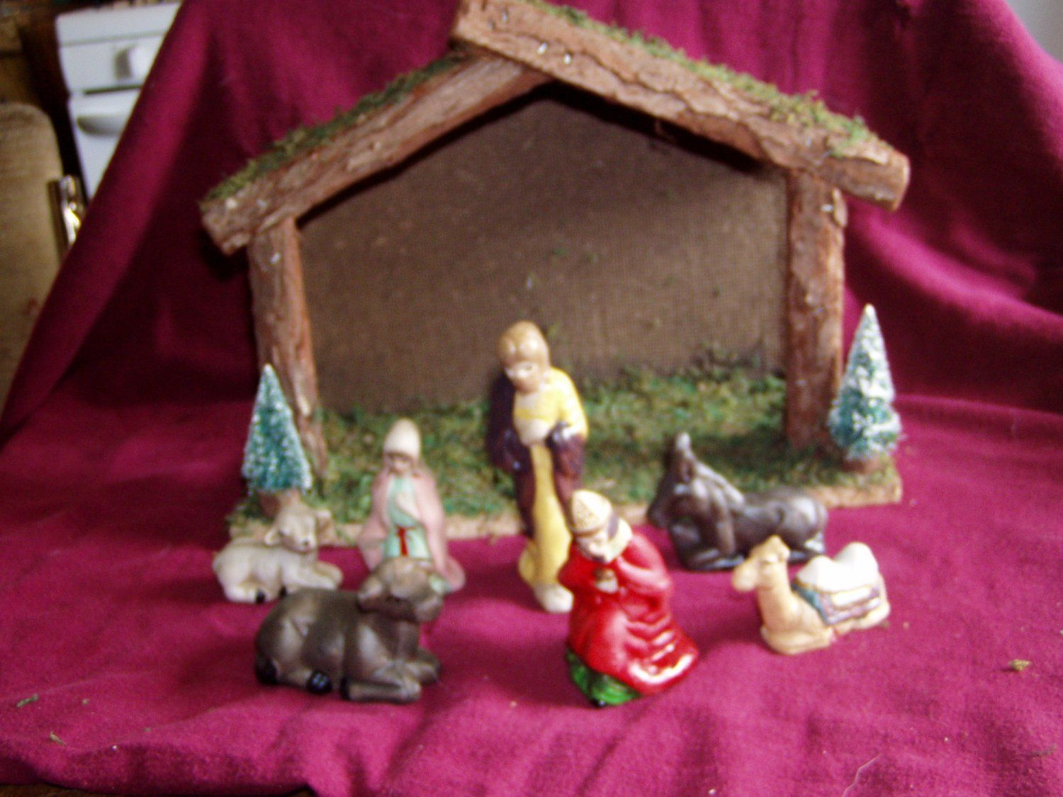 Nativity Set by Midwestern Home Products 7pc. with Stable for sale at Wenzel Thrifty Nickel ecrater store