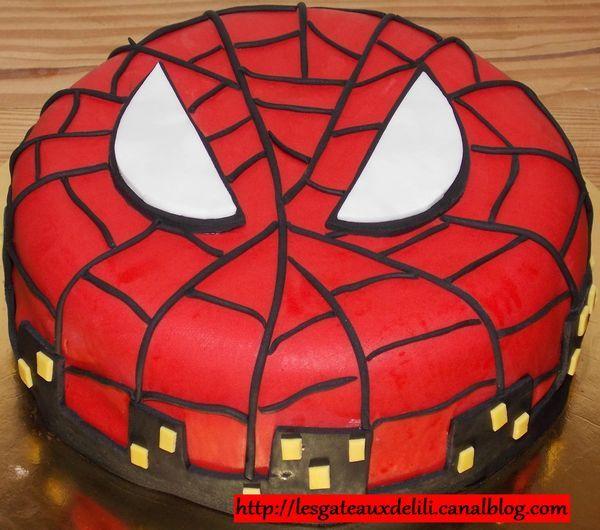 2013 02 22 - spiderman - gâteau en pâte à sucre | super héros