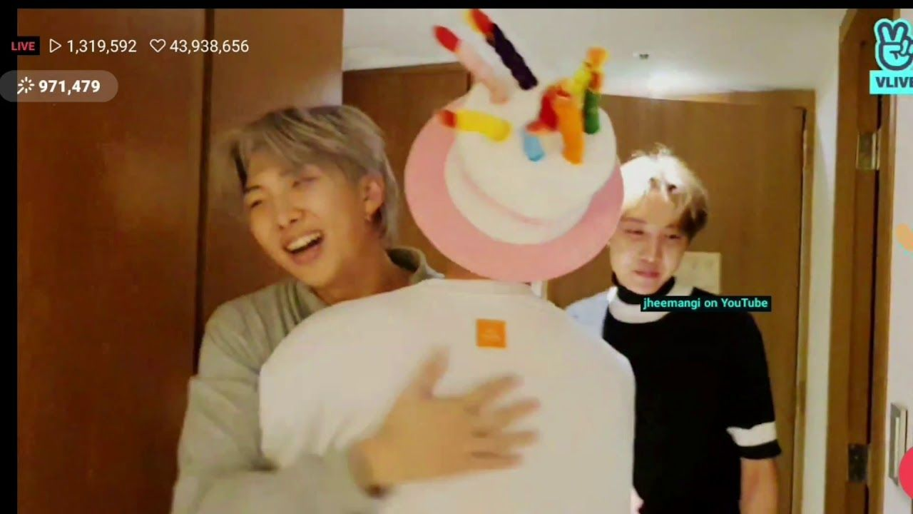 [191204] JIN'S BIRTHDAY VLIVE: BTS PLAYED GAMES IN JIN'S ROOM (FULL) #jinbirthday [191204] JIN'S BIRTHDAY VLIVE: BTS PLAYED GAMES IN JIN'S ROOM (FULL) - YouTube #jinbirthday