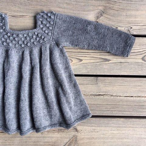... Or with sleeves for colder days.  #patterninthemaking #knitting #knitteddress #knitting_inspiration #knitforkids #barnestrikk #jentestrikk #knittersofinstagram #knittingforolivesmerino #knittingforolive #photolibrary