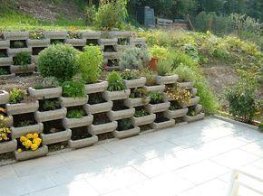 Garten Hanglage Befestigen Google Suche Backyard Landscaping Pallets Garden Garden Design
