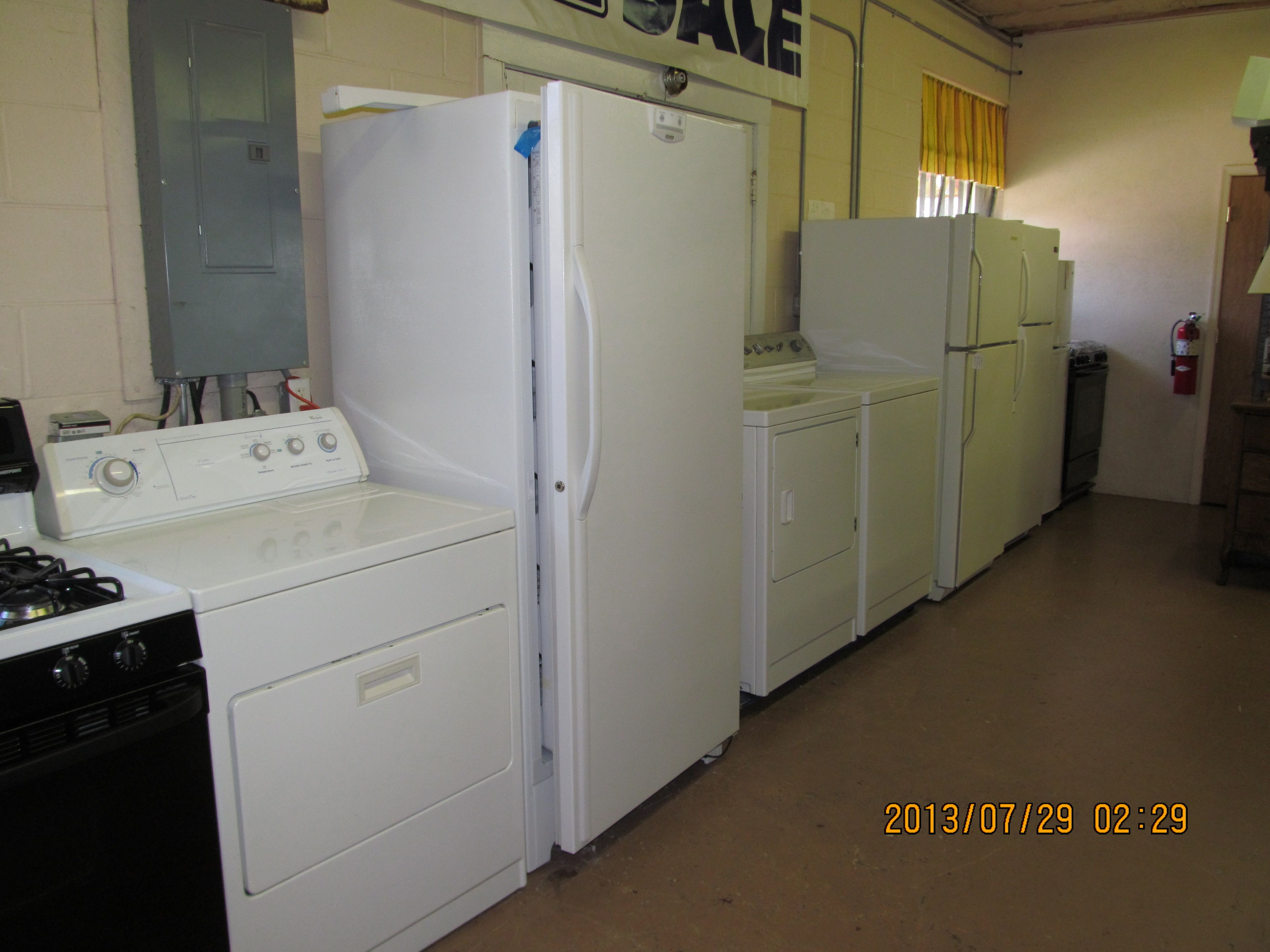Bargain Barn Waynesboro Va. Appliances, furniture, etc ...
