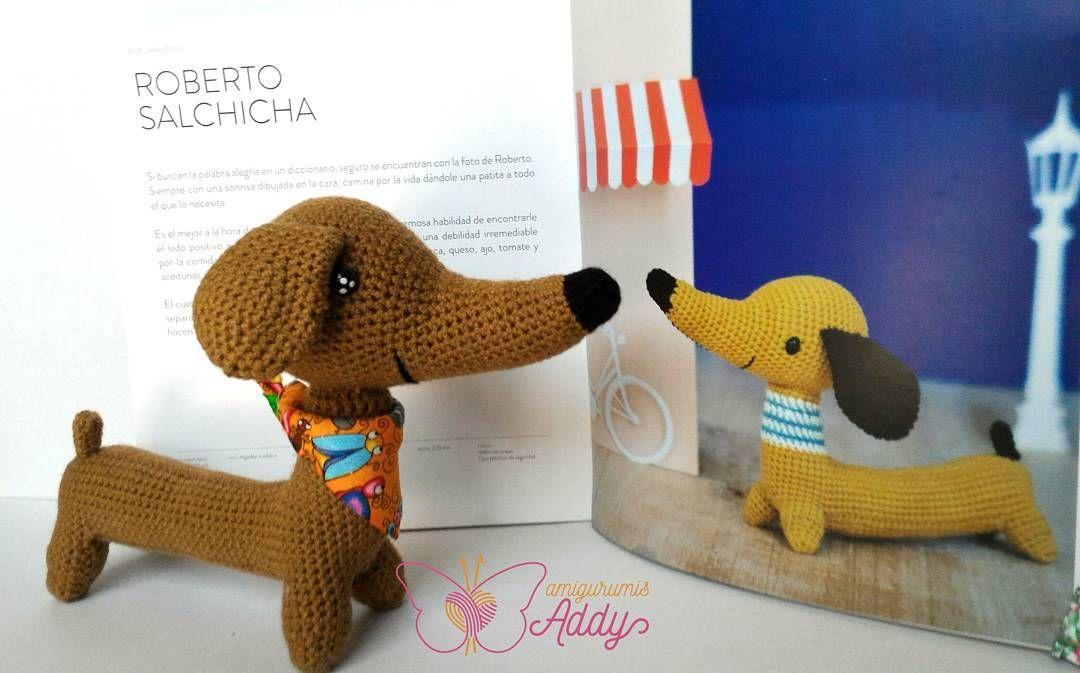Posando con la inspiración  #amigurumi #crochet #tejido #handmade  #amigurumis #amigurumiaddict #amigurumicrochet #amigurumilove #hechoamano #Handmadewithlove #amigurumidoll #crochetdoll  #enjoythelittlething #crochetedanimal #hechoenmexico #picapau #salchicha #dachshund #dachshundsofinstagram #dachshundlove #dog by amigurumis_addy