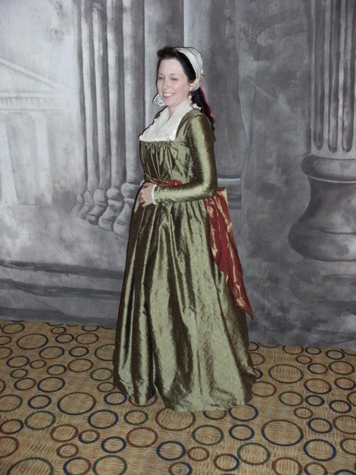 Mode Historique, 1790s dress. 18th century fashion