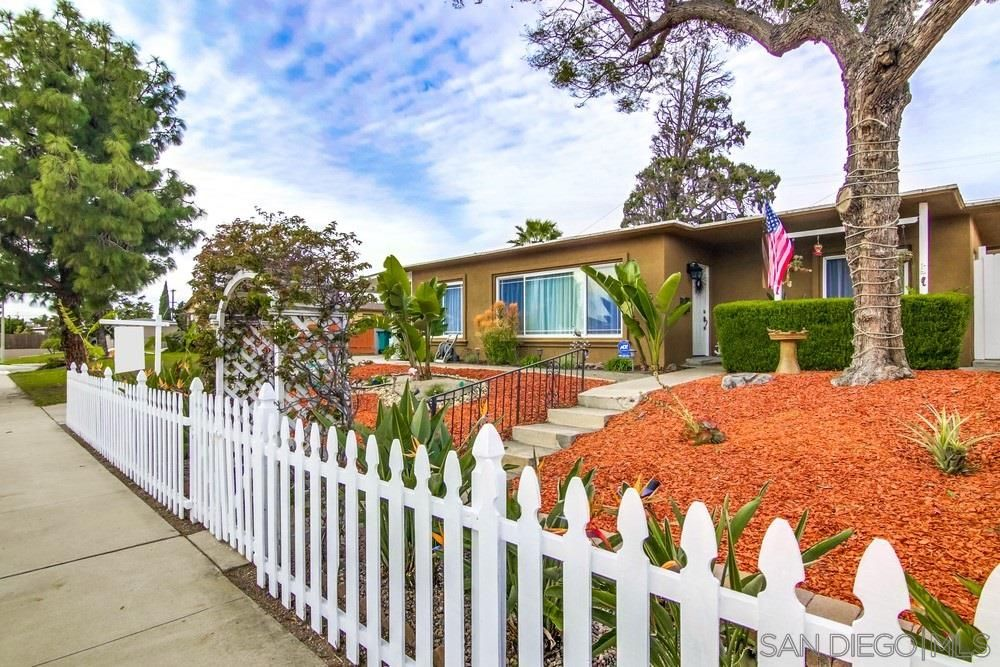 Chula Vista Ca Check Out This 3 Bedroom 1 0 Bath Property Located At 125 H St In Chula Vista California Real Estate San Diego Real Estate San Diego Houses
