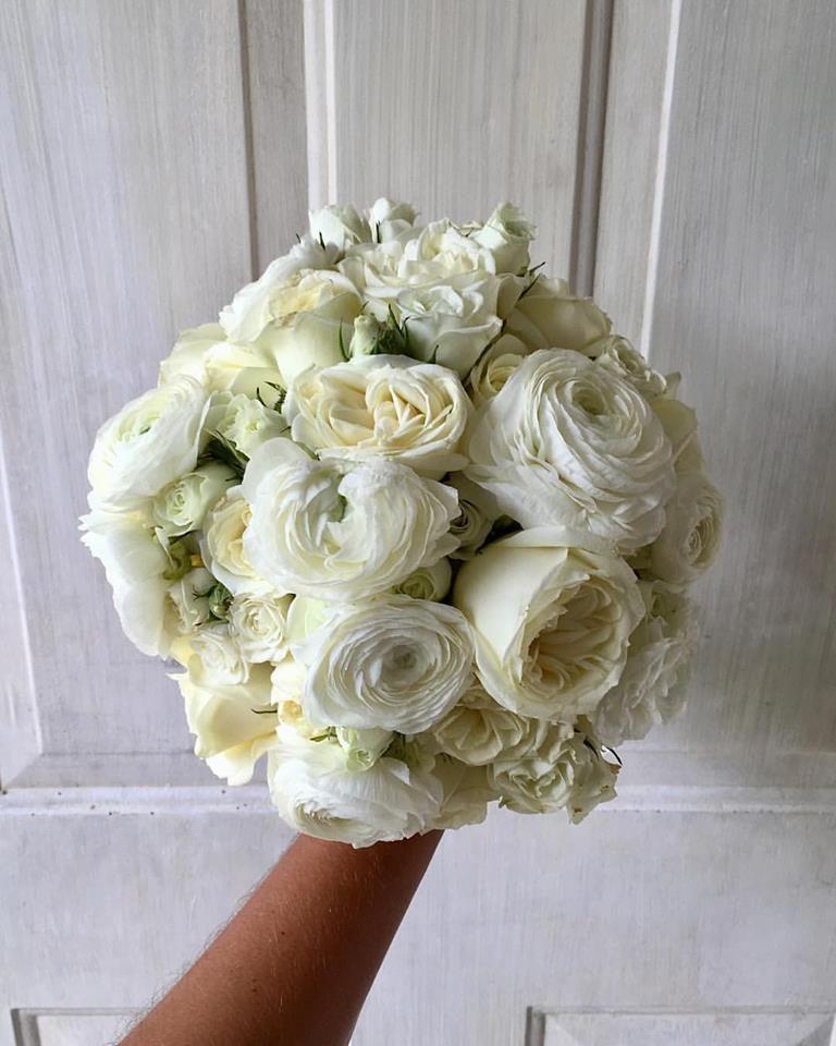 Cbr362 Weddings Riviera Maya White Bouquet With Dife Flowers Ramo De Novia Blanco Con Difees