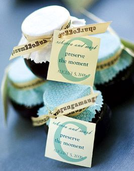 Do it yourself wedding favors gifts photos wedding fever diy wedding favors brides solutioingenieria Image collections
