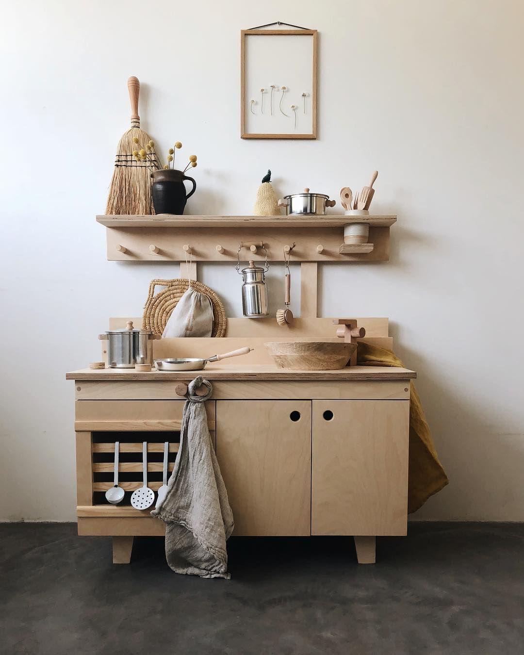 Beautiful Wooden Kitchen Kids Decor