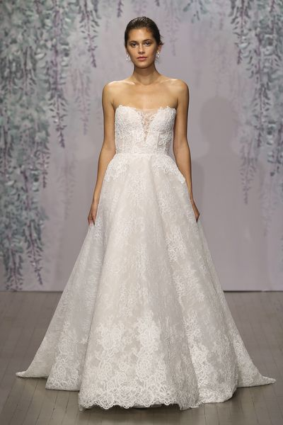 Monique Lhuillier, Fall 2016 | New Collections, March 2016 | Pinterest