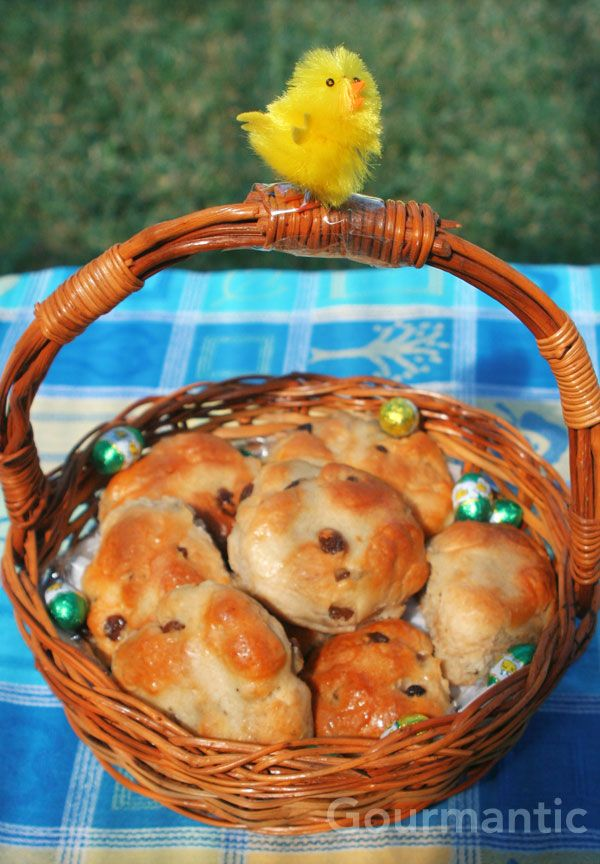 hot cross buns and chicken
