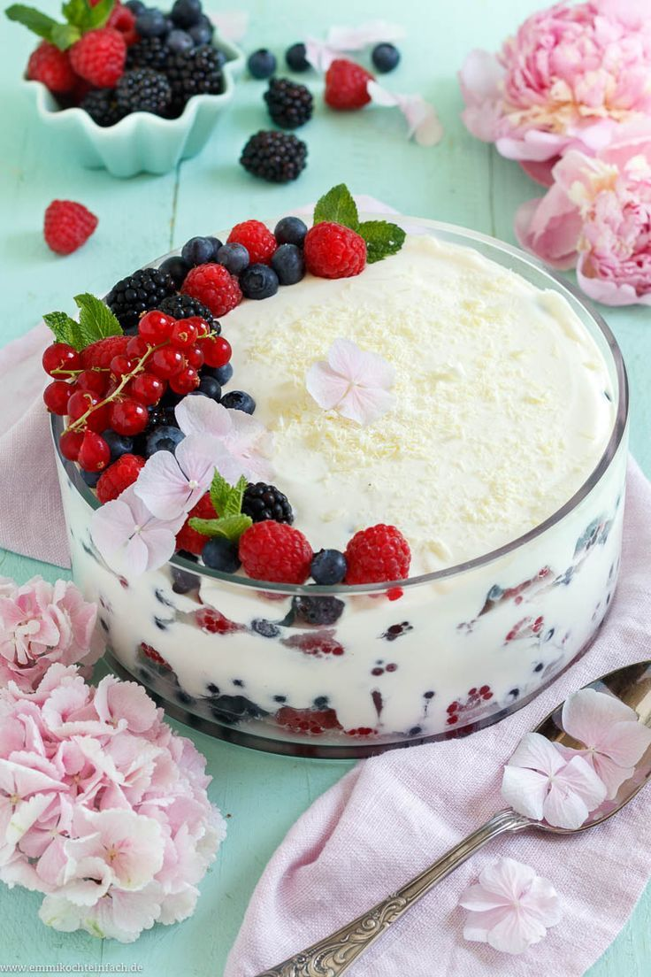 Photo of Berry layered dessert with curd cheese and cream cheese – easy to cook