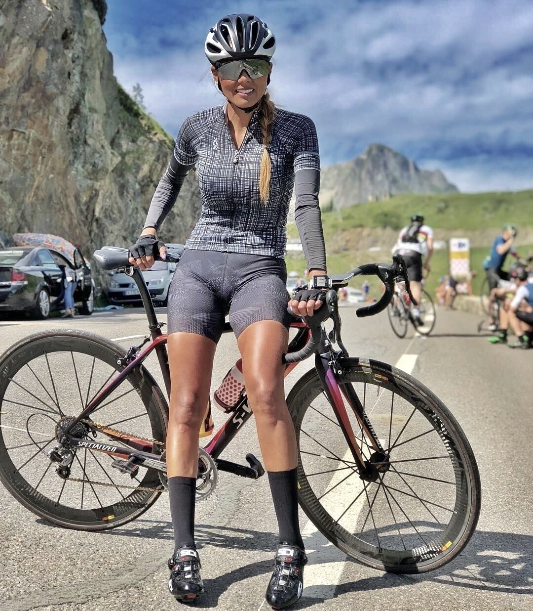 Curves And Lines Women And Bikes In 2020 Female Cyclist Cycling Women Bicycle Women