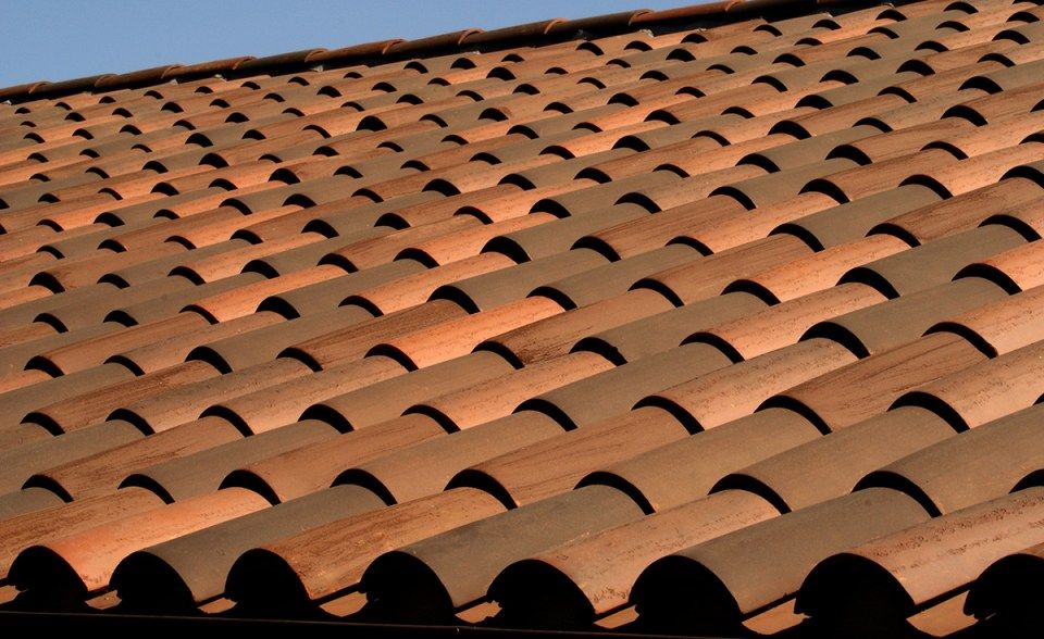 Detail Of Classic S Mission Clay Roof Tile With 2 Piece Eave Line In 1 3 B330 R Old Santa Barbara Blend 1 3 2f45 Sc Toba Clay Roof Tiles Clay Roofs Clay Tiles