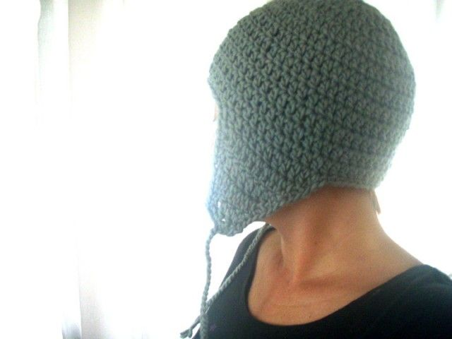 quick & simple crochet pattern for a hat with earflaps!