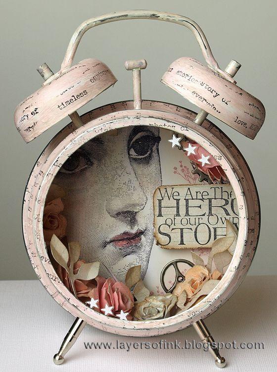Shabby Chic Assemblage Clock | Boîtes d'art, Objets, Reveil