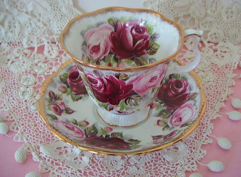 Vintage ROYAL ALBERT England SUMMER BOUNTY Series RUBY Roses TEA CUP & SAUCER A+