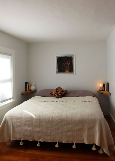 Best 25 King Size Bed In Small Room Ideas On Pinterest