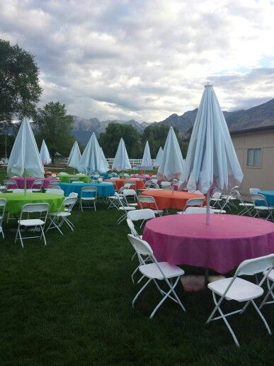 Luau Party, Round Tables For Parties