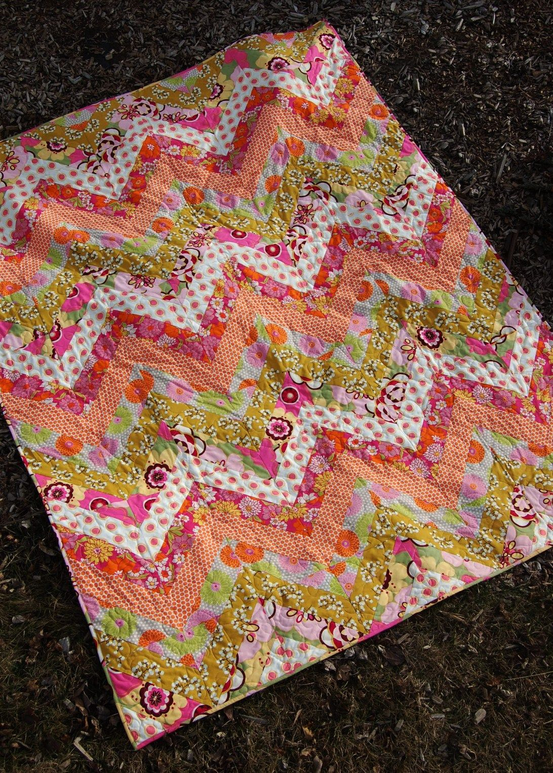 Modern Zigzag Quilt Pdf Pattern With Images Jelly Roll Quilt