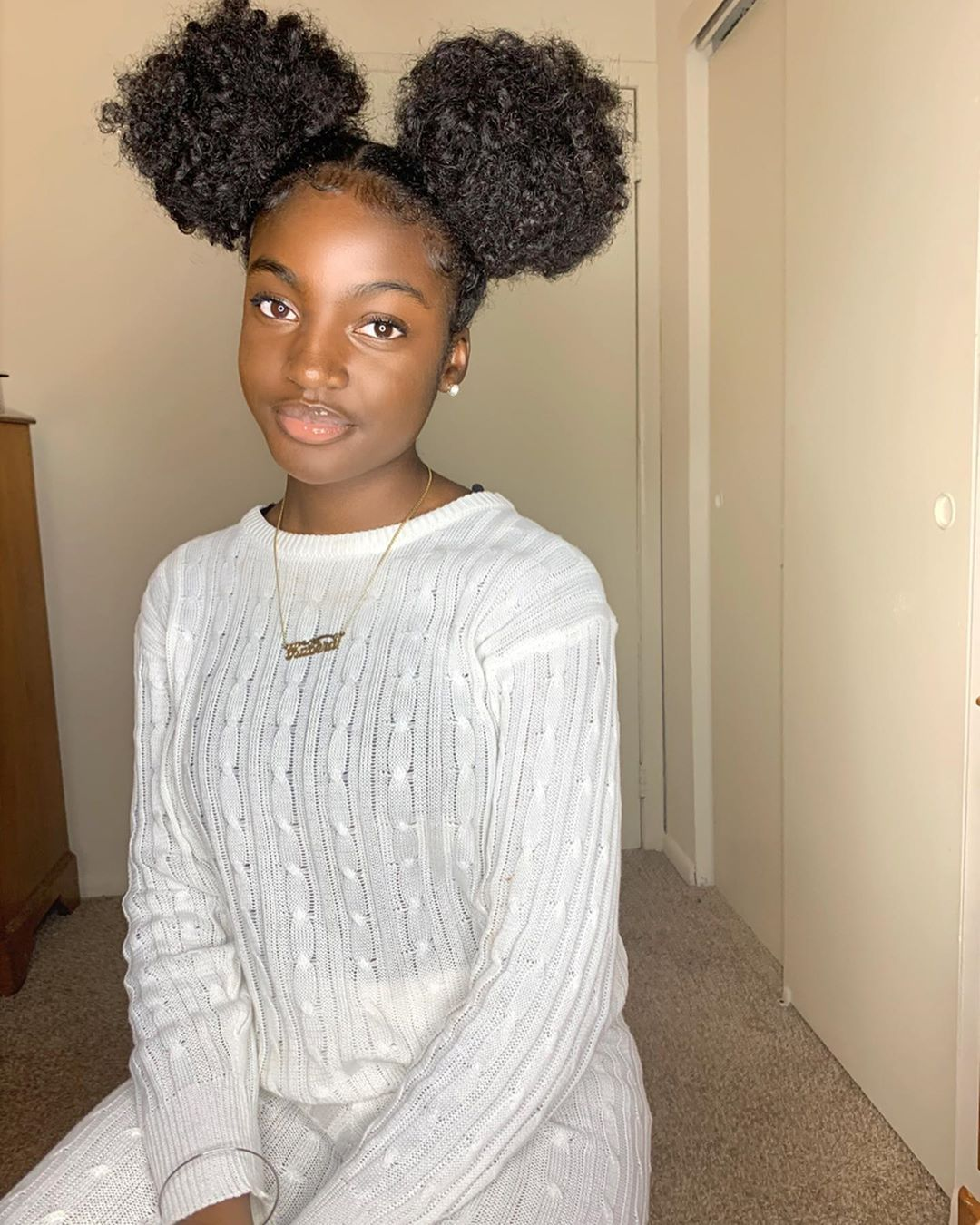 Kaberaaa On Instagram 2 Buns No Mickey Outfit Thebaddiefactory Lipglo Natural Hair Styles Easy Protective Hairstyles For Natural Hair Ball Hairstyles