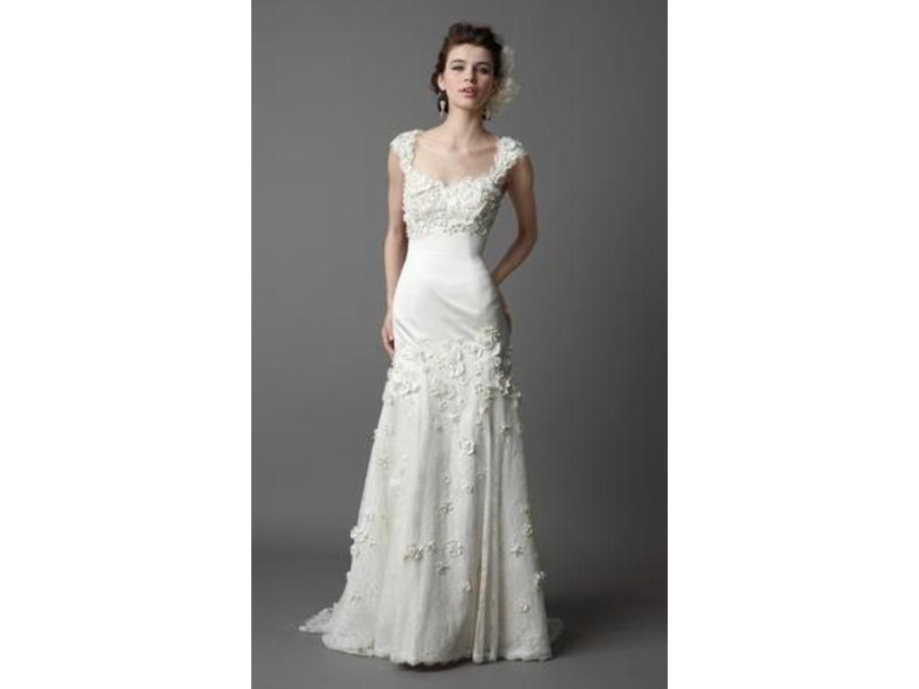 Pre owned wedding dresses  Watters   find it for sale on PreOwnedWeddingDresses  I