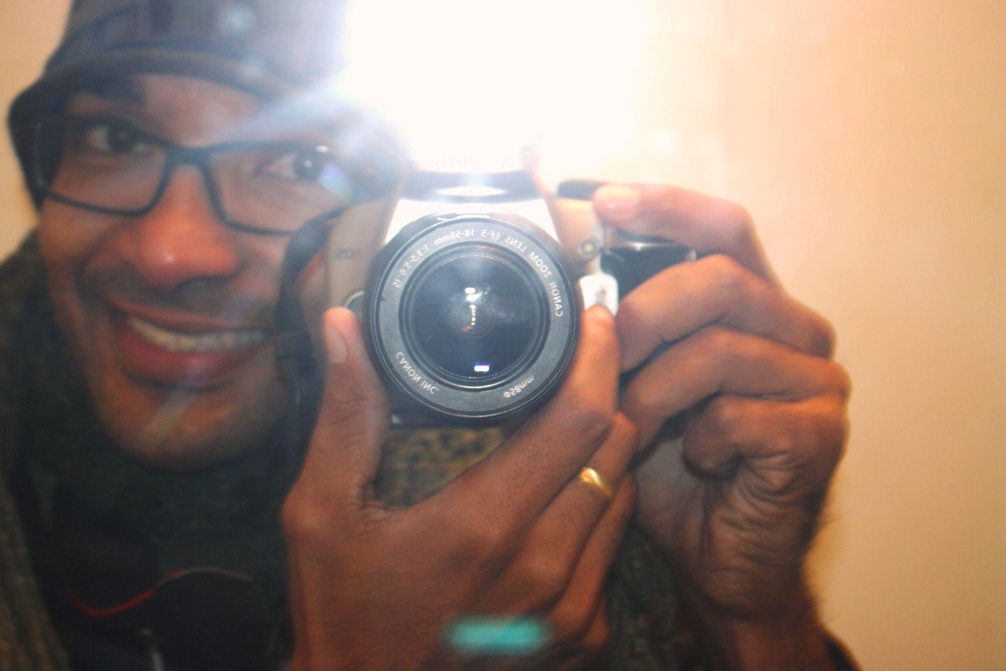 Há tantos olhares para vermos do avesso que a lente exposta fica pequena e limitada sem imaginação   Acesso nosso blog olhares do avesso www.olharesdoavesso.blogspot.com