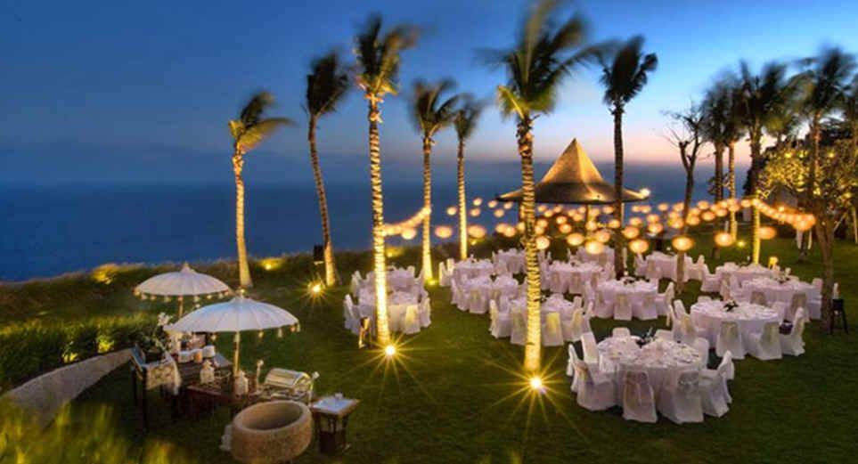 Picture Outdoor Wedding Reception To Look Something Like This Khayangan Estate Bali