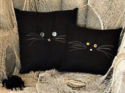 Black cat pillows with buttons Halloweenie Ideas Pinterest - halloween decorations black cat