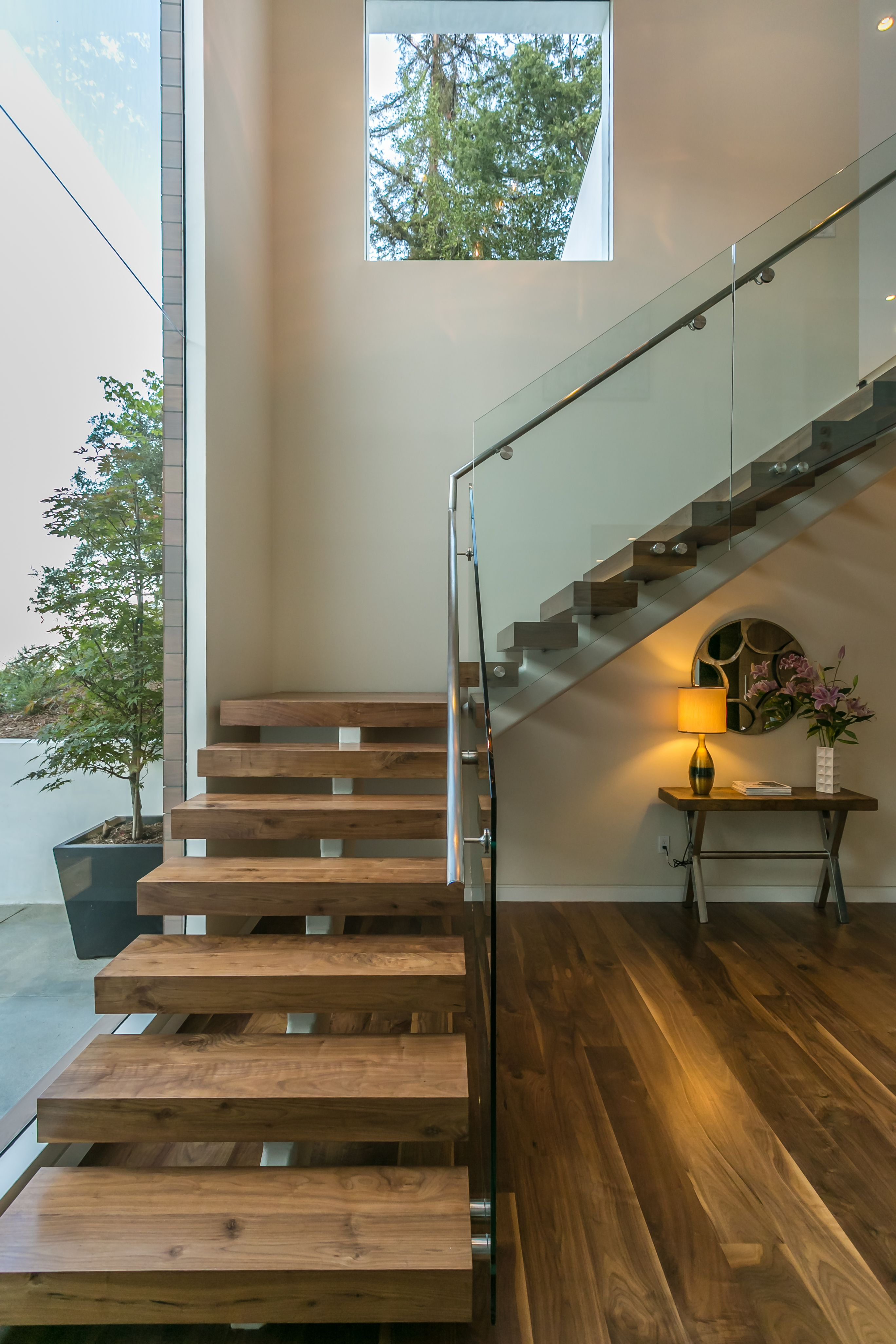 Best Wood Steps Glass Banister Modern Staircase At Knobhill 400 x 300