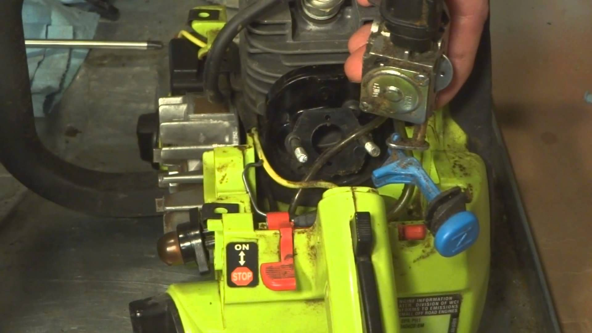 small resolution of poulan craftsman chainsaw fuel lines