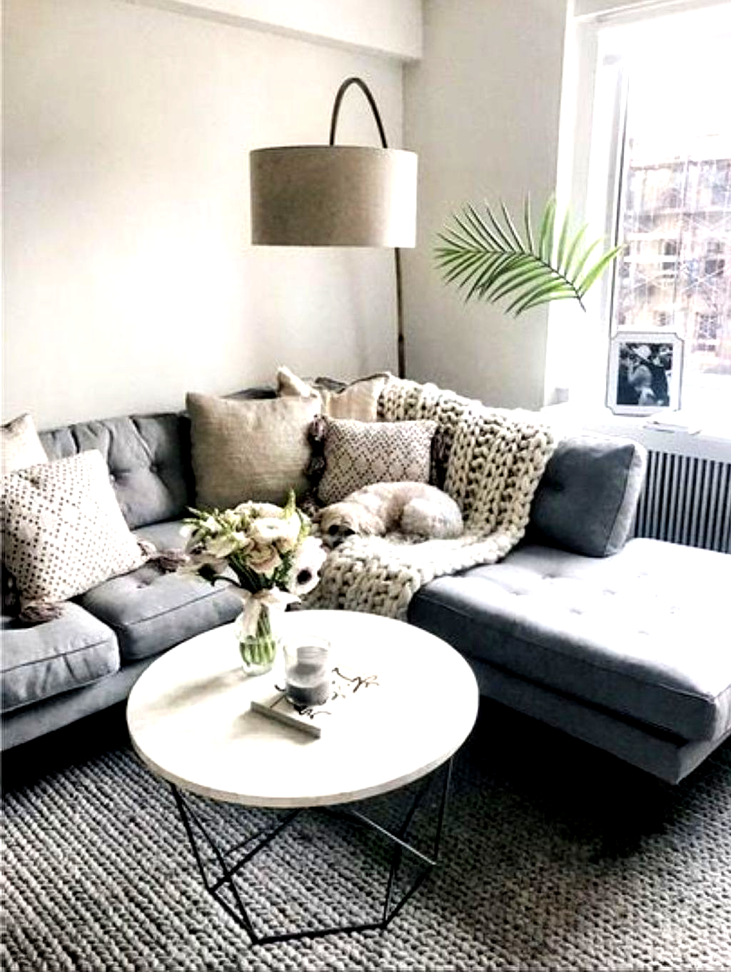 Awesome 37 Relaxing Apartment Living Room Decorating Ideas Modern Minimalist Living Room Minimalist Living Room Small Living Room Decor