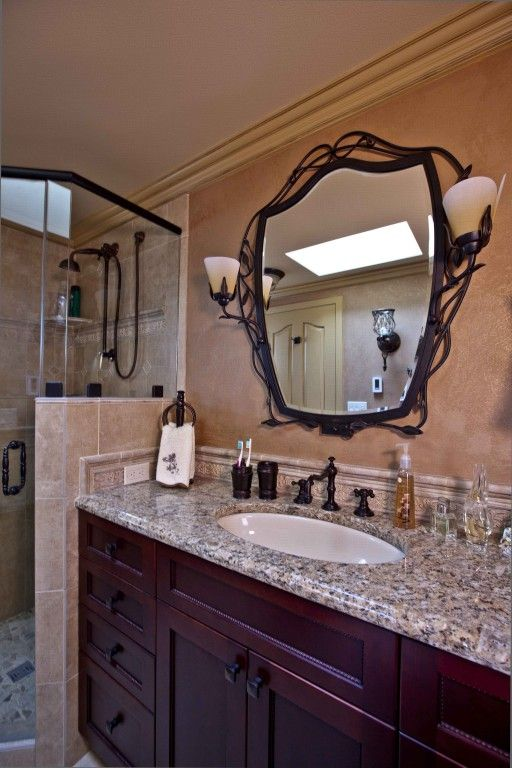 Baths - Traditional with mirror detail