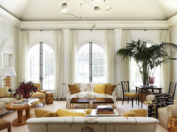 10 fashionable spaces by Anna Wintour's interior designers. Discover why New York City-based design firm Carrier and Company Interiors are a favorite among the fashion set.