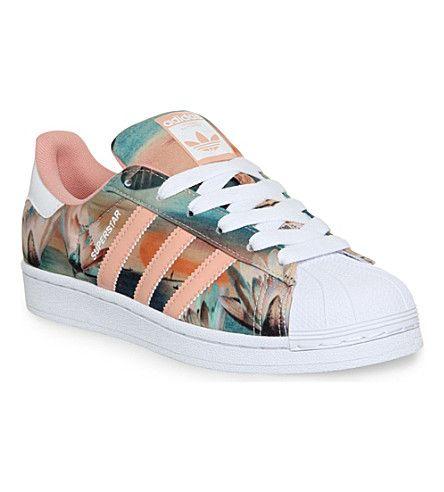 Incorrecto fresa Indulgente  Adidas Superstar Floral Print   Zapatos adidas, Zapatillas super star,  Addidas zapatillas