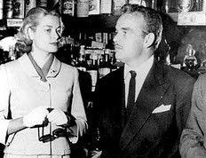 Grace y Rainiero en el conocido bar Chicote de Madrid...(una foto que he descubierto trasteando por la red)