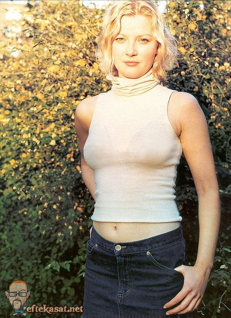 Gretchen Mol Nude Photos 12