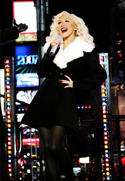 Christina Aguilera Candyman Live at Dick Clark's New Years ...