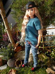 new girl (maggimini) Tags: nature fashion victorian khaki momoko petworks ttya
