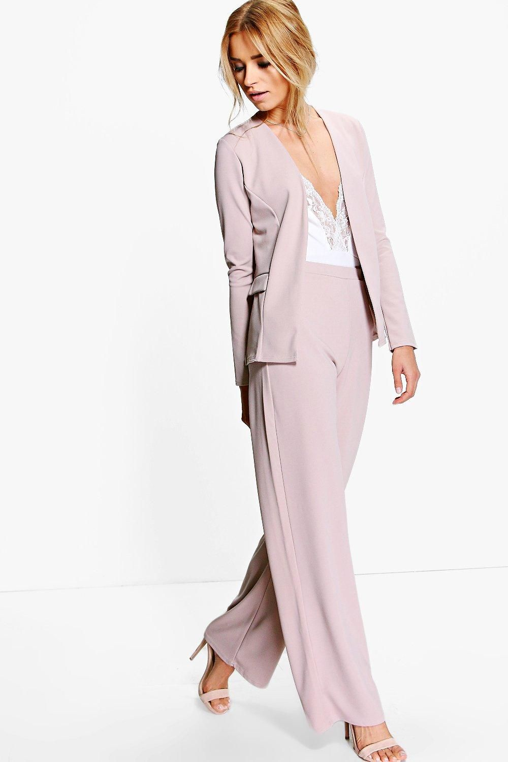 f6781c26c7551 Martha Wide Leg Trouser at boohoo.com | Outfits in 2019 | Ladies ...