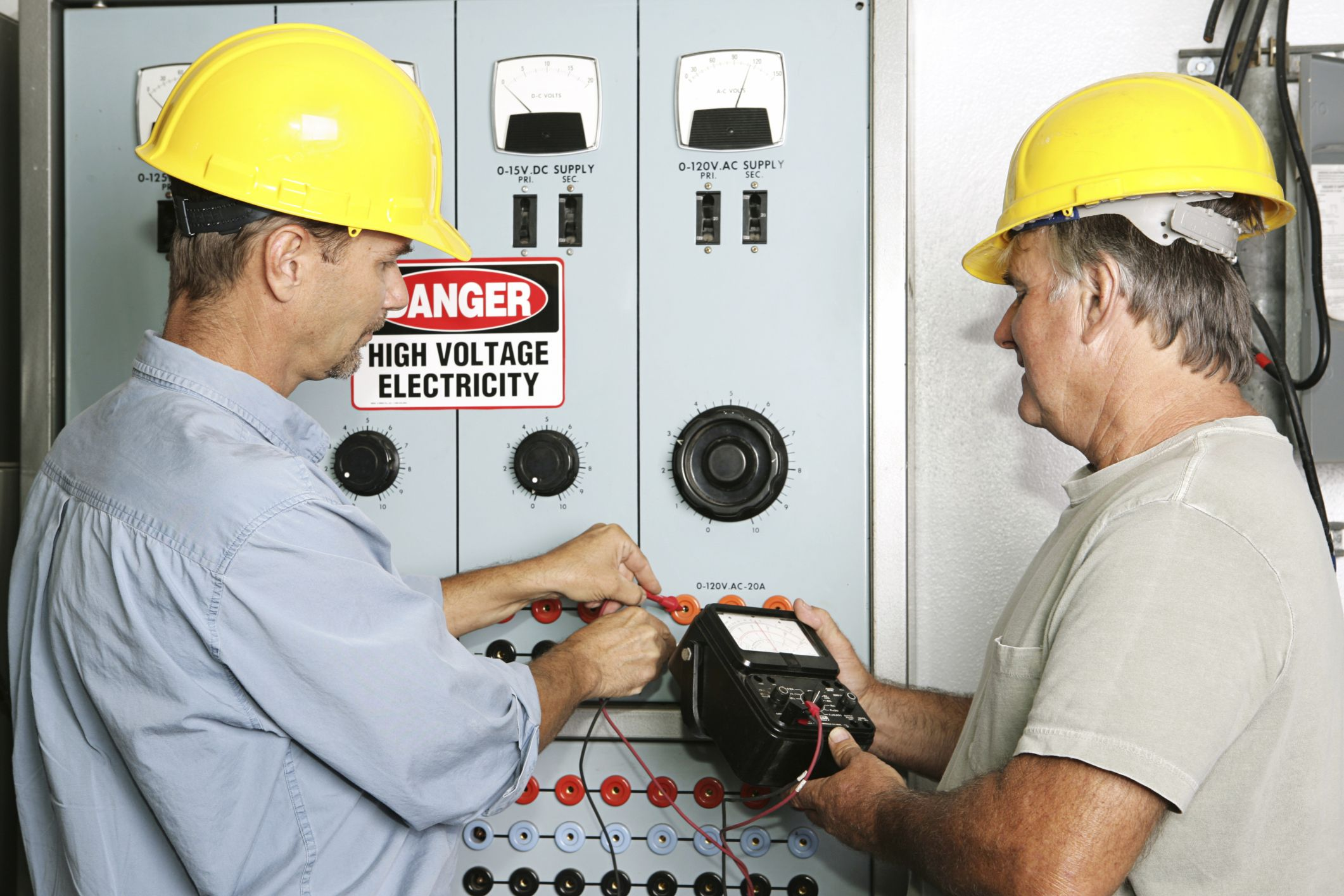 Need An Electrician Fast In Burien Regional Contact Topline Electricians Burien For A Free Electrical E Electrician Services Emergency Electrician Electrician