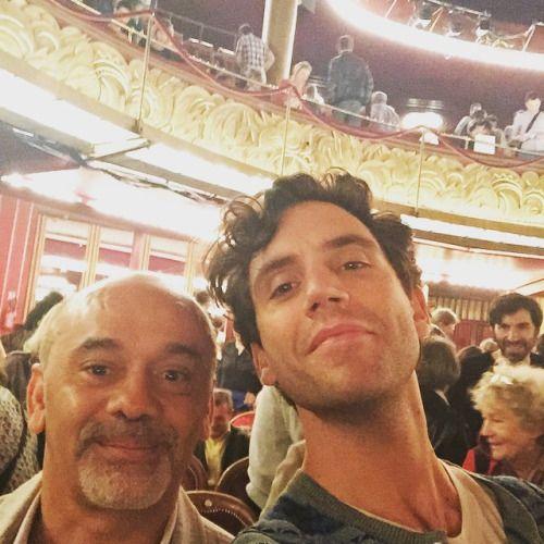 info pour 4ba3e 66f10 Mika and Christian Louboutin - Au spectacle La Verita @ Les ...