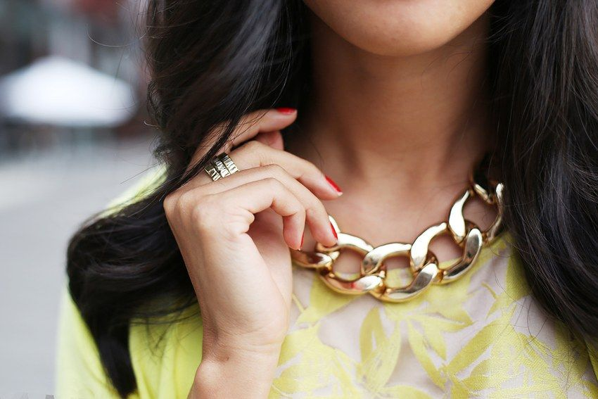 Love the chunky gold chain