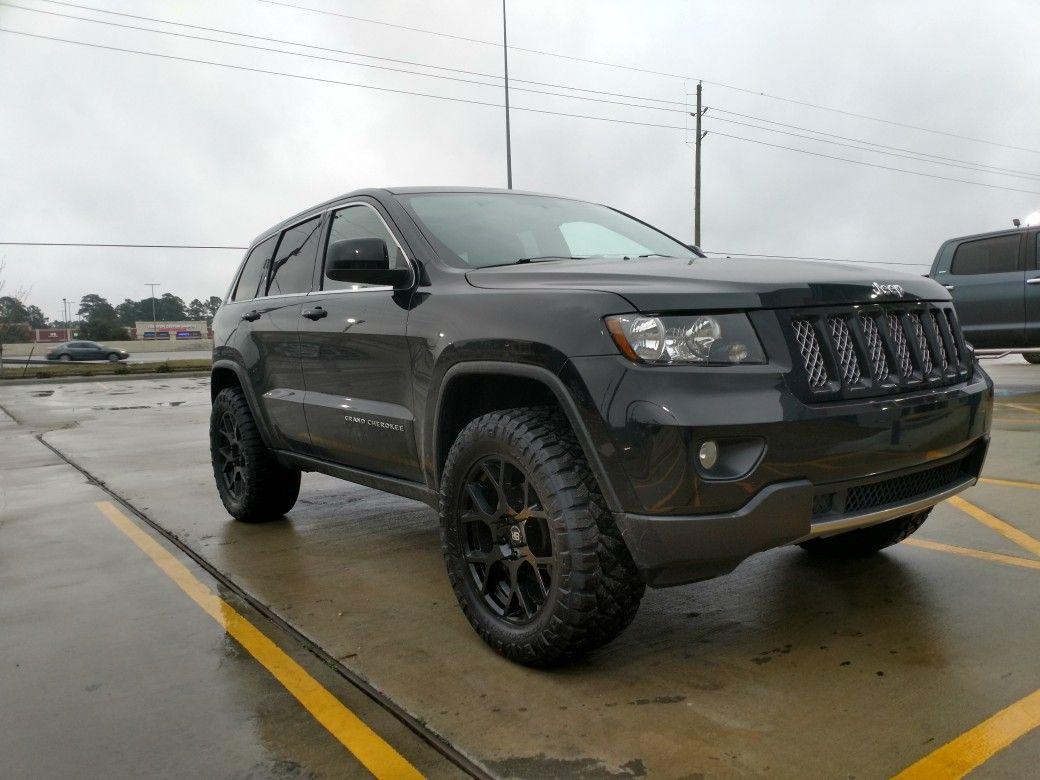 2013 5 7 Hemi With 2 5 Rc Lift Level 33x12 5x20 Nitto Ridge