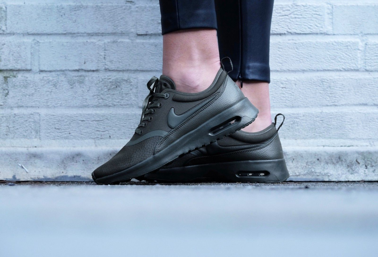 Air Max Thea Olive Ultra Premium W Chaussures Nike