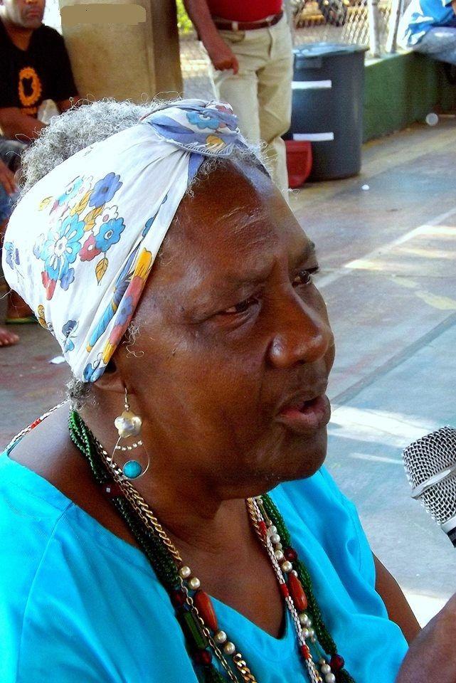 À Rainha do Tambu de Umbigada, Dona Nelcides.