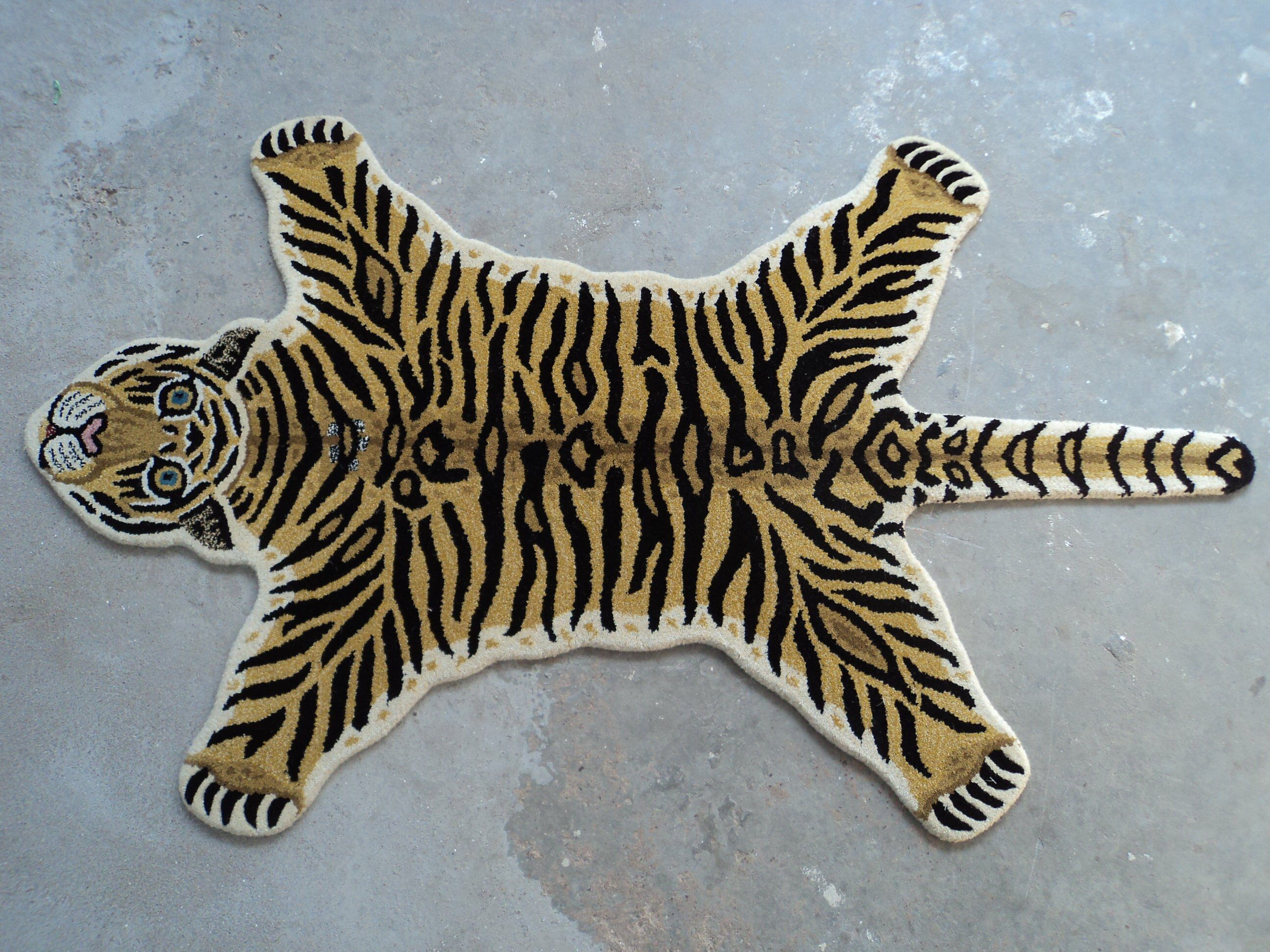 Tiger Mat Hand Tufted Tiger Skin Wool Carpet Home Decorative Etsy In 2020 Wool Carpet Animal Rug Tiger Rug
