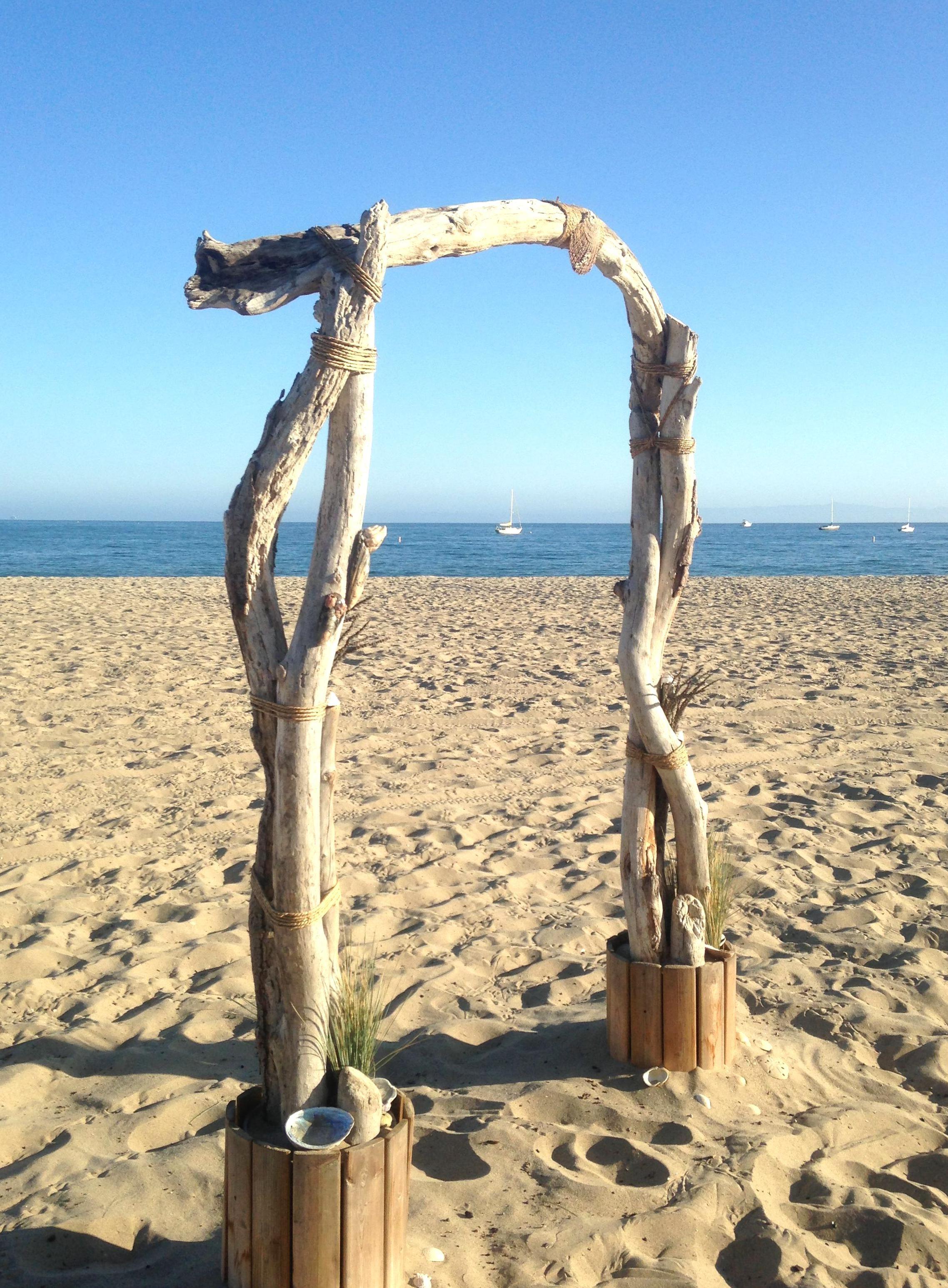 Pin By Ariel Lishinsky On Wedding Photography Beach Wedding Arch Beach Wedding Inspiration Driftwood Wedding