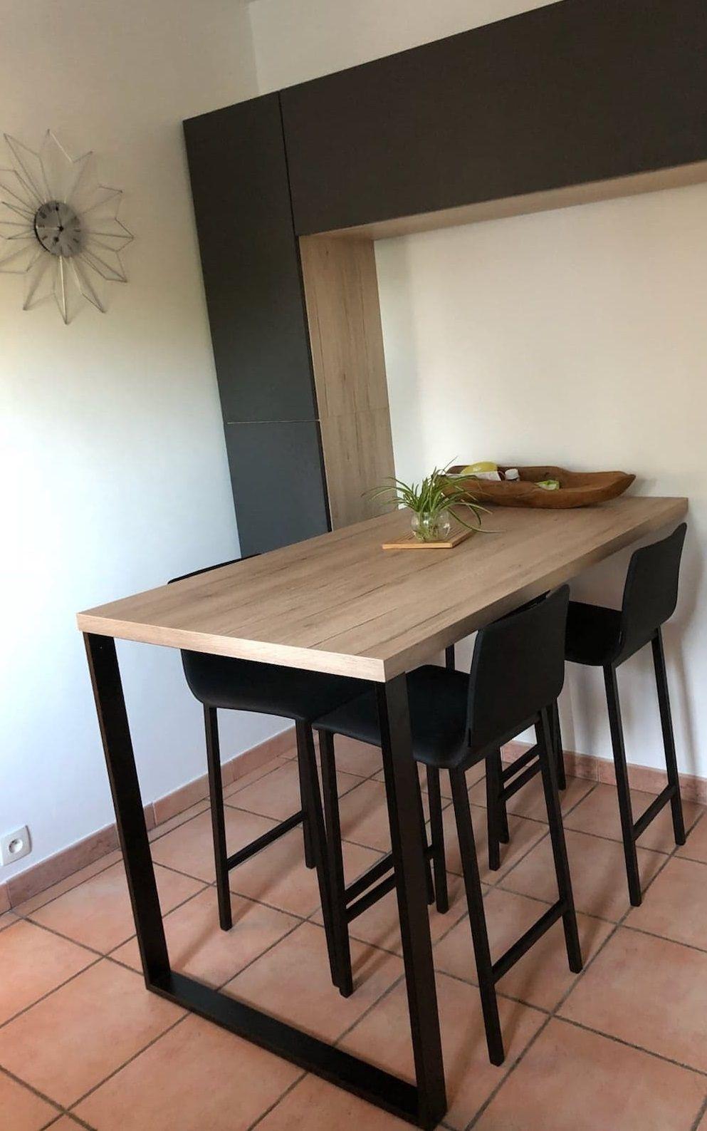 Cuisine Interieur Design A Toulouse Cuisine Equipee Tendance Et Moderne Coin Repas Gris Effet Beton Et Meuble Cuisine Table Haute Cuisine Table Haute Bois